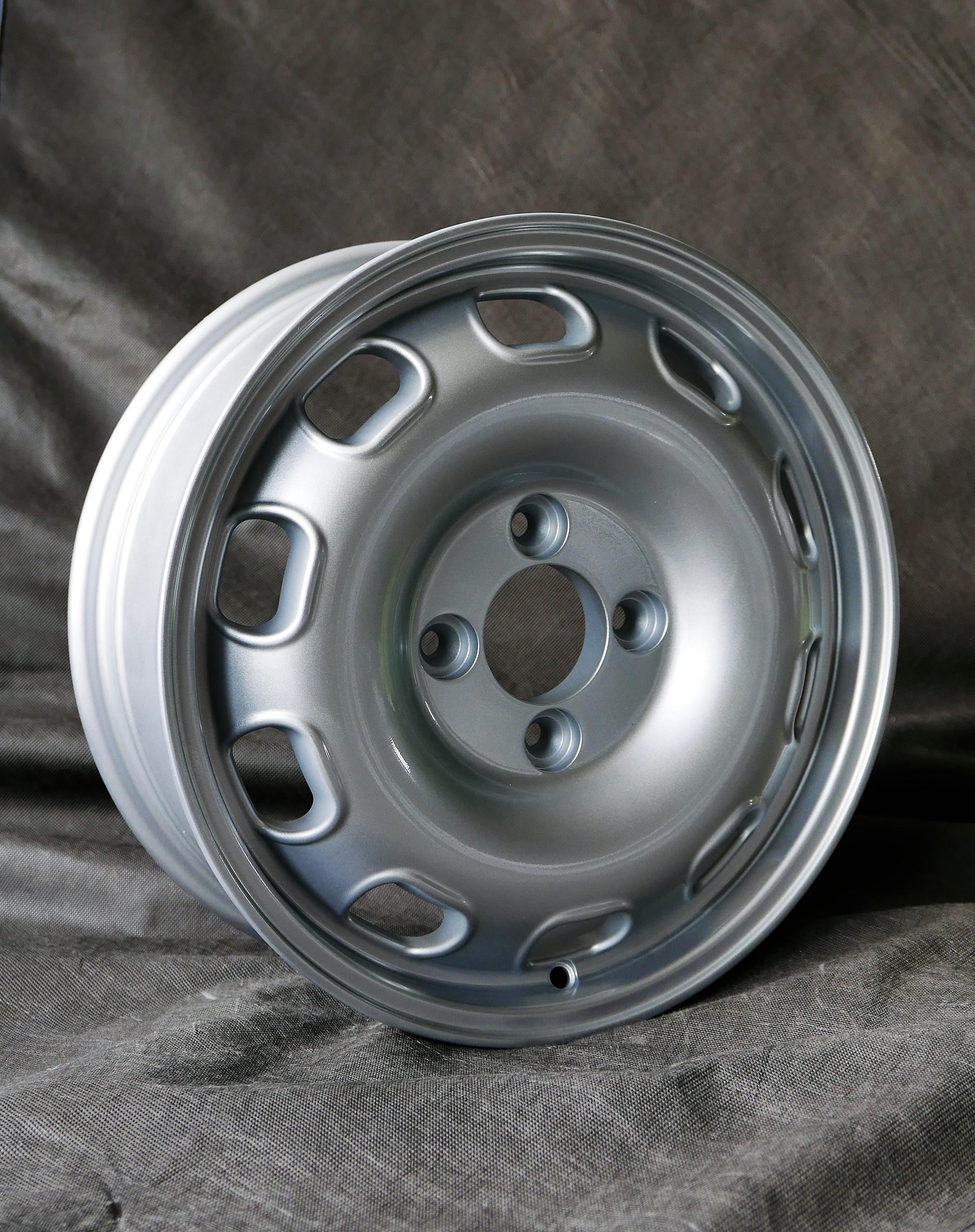 5,5X15 4/108 ET35 Maxilite Replika TZ silber  Alfa Romeo 105, 101, 750